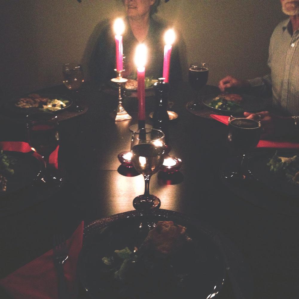 family-dinner-xmas