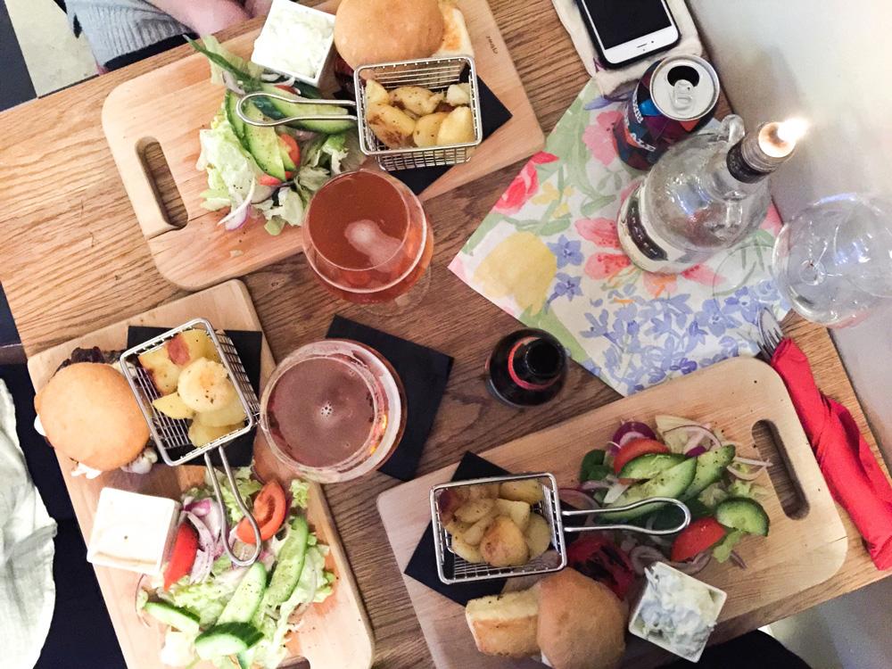 dinner-broadway-cafe-sweden