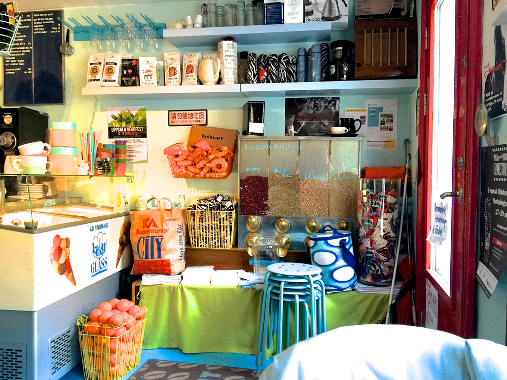 Image gallery funky cafe for Funky cafe furniture