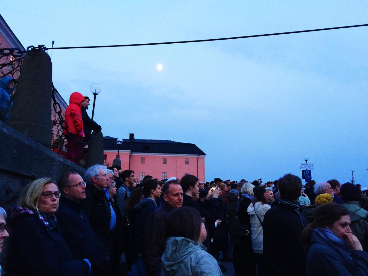 moon-over-castle-valborg