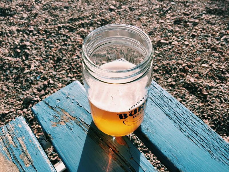 beer-backyard-sunshine