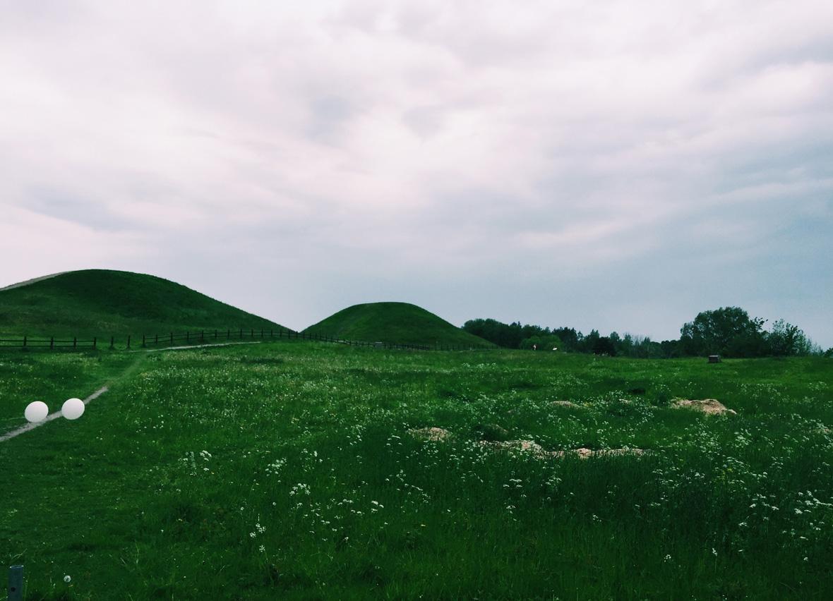 gamla-uppsala-burial-mounds