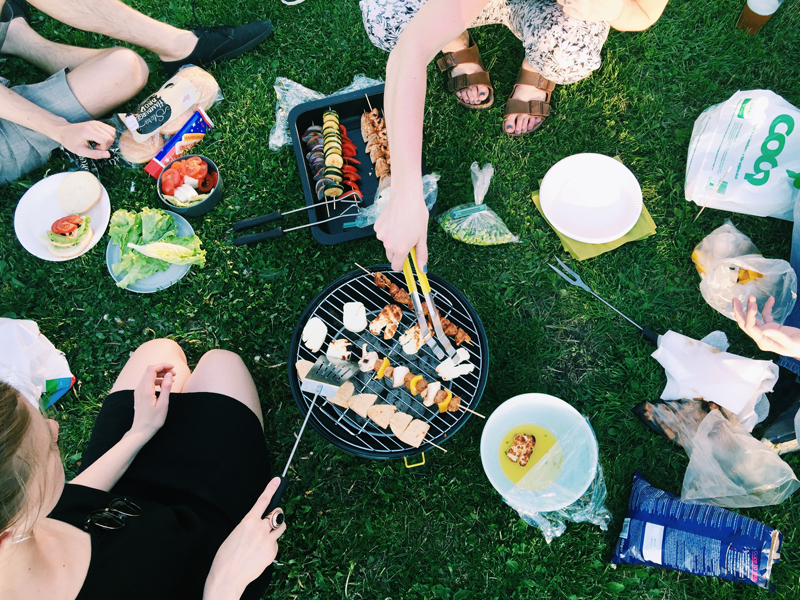 grilling-outside-bbq