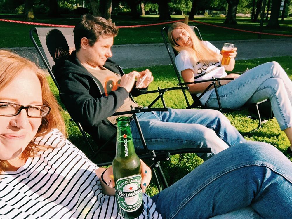 beer-park-friends