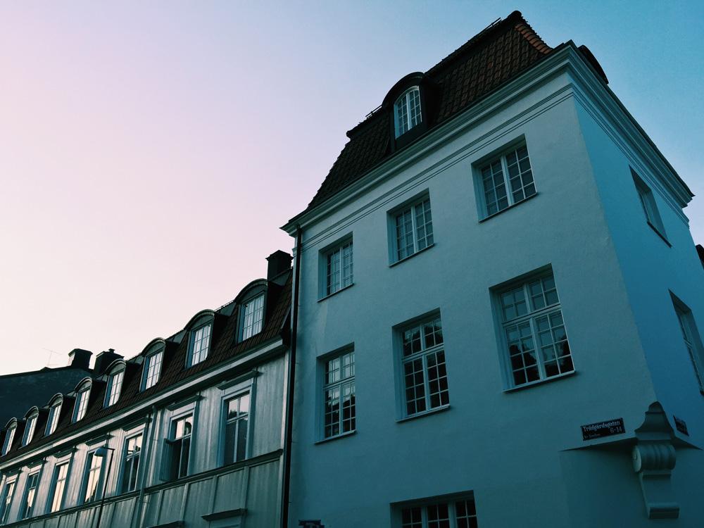building-uppsala-sunset