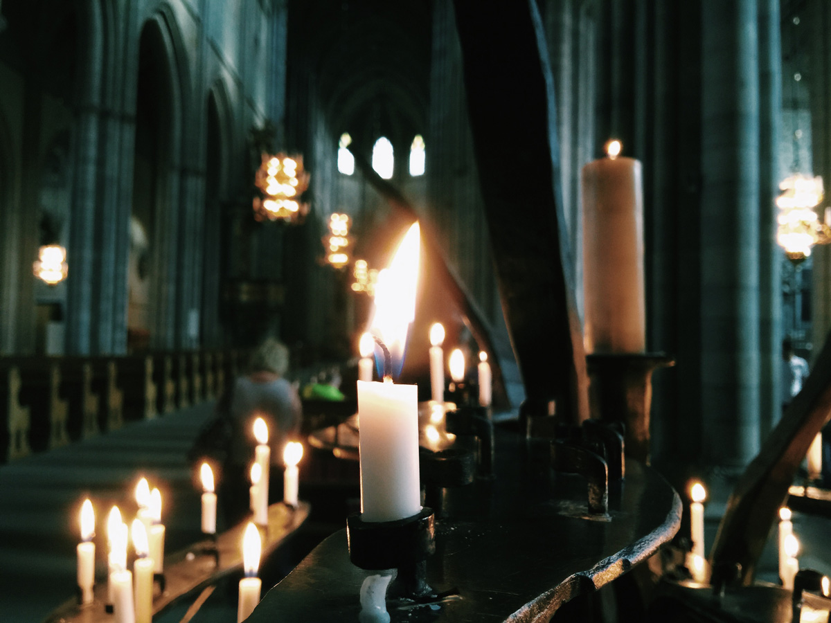 candles-cathedral-uppsala