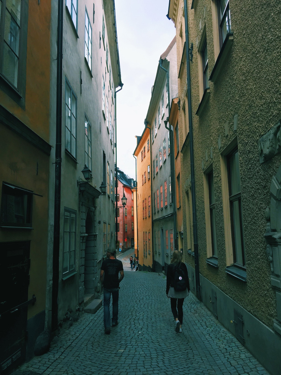 stockholm-gamla-stan-alley