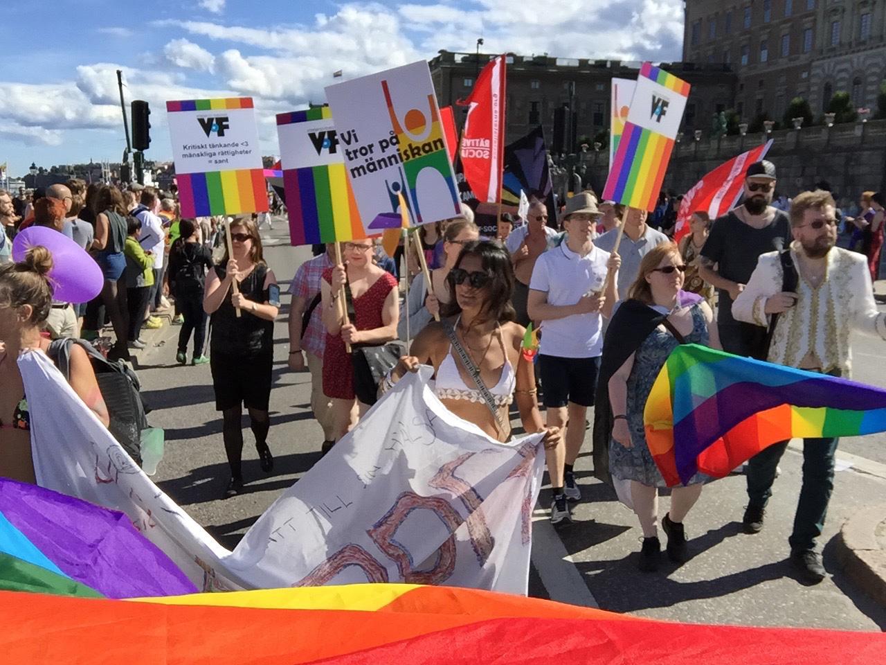 stockholm-pride-parade-walk