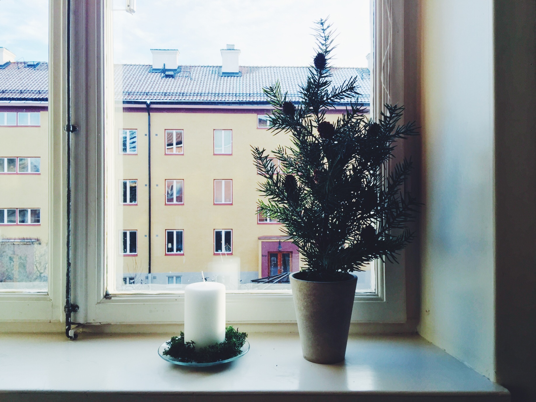 christmas decorations window