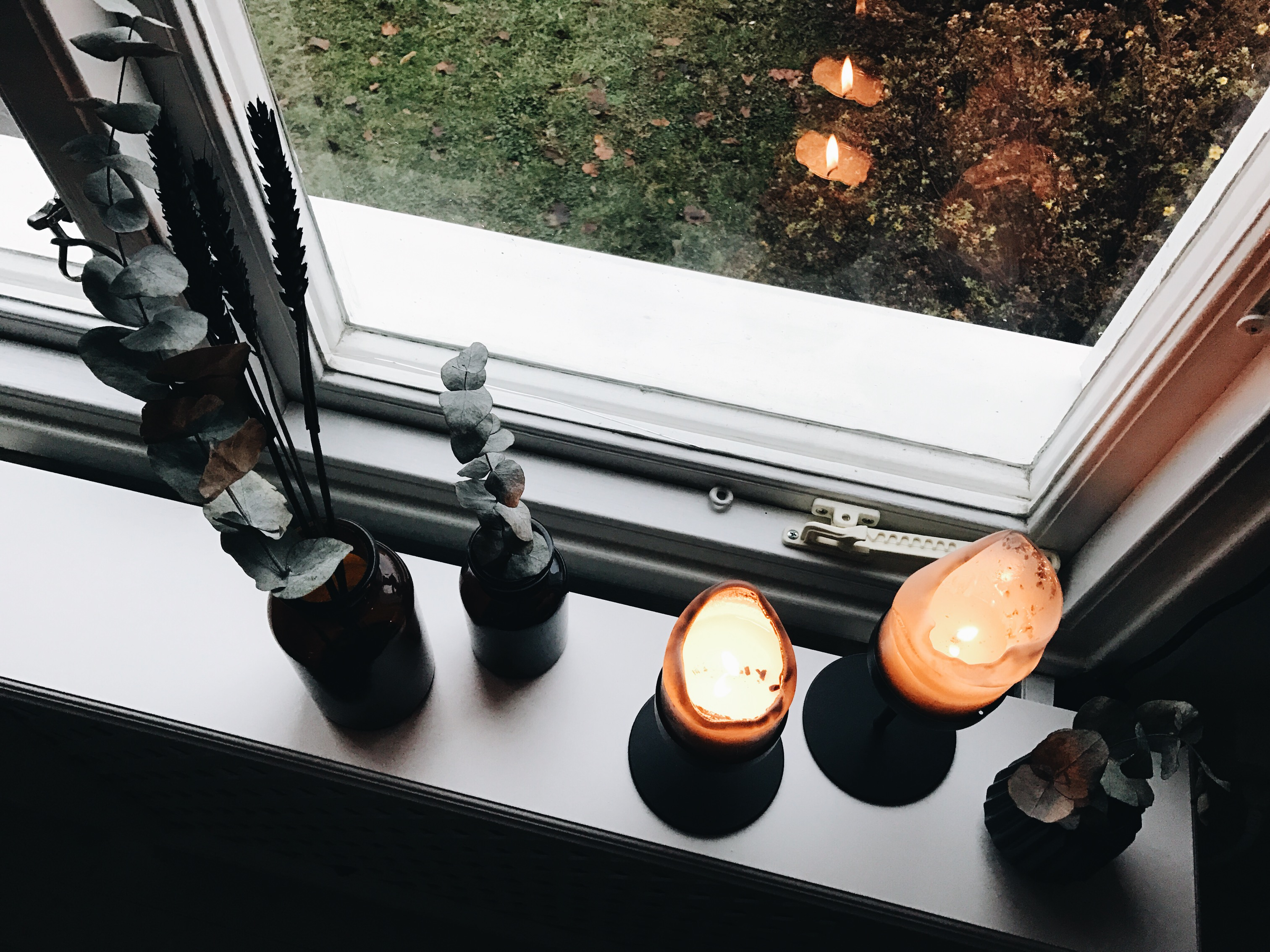 candles window