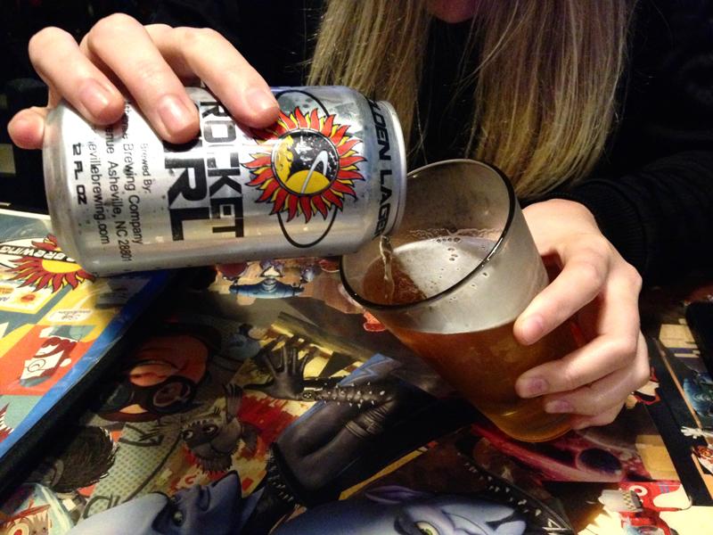 asheville-pizza-company-rocket-girl-beer