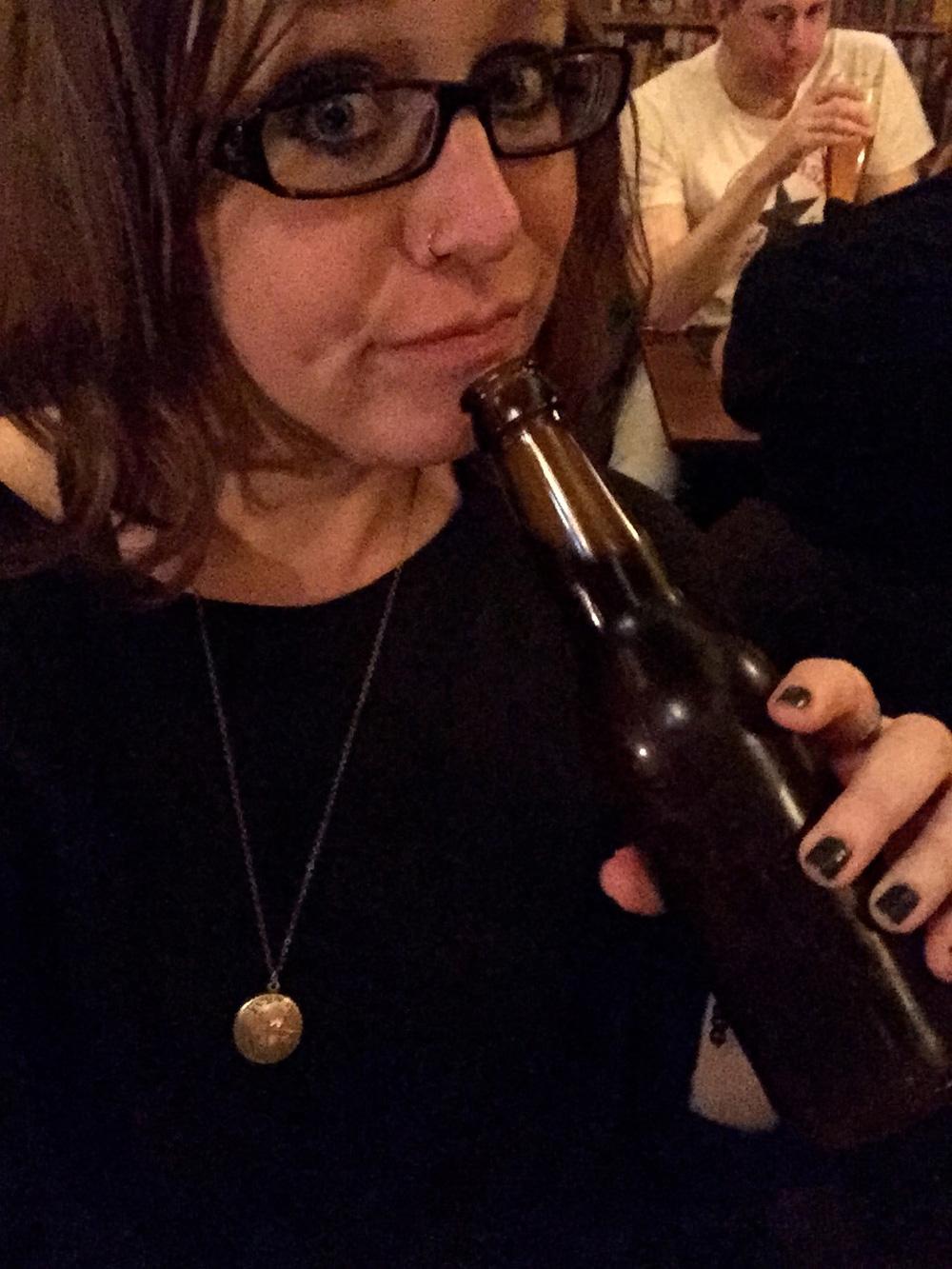 beer-me-photobomb