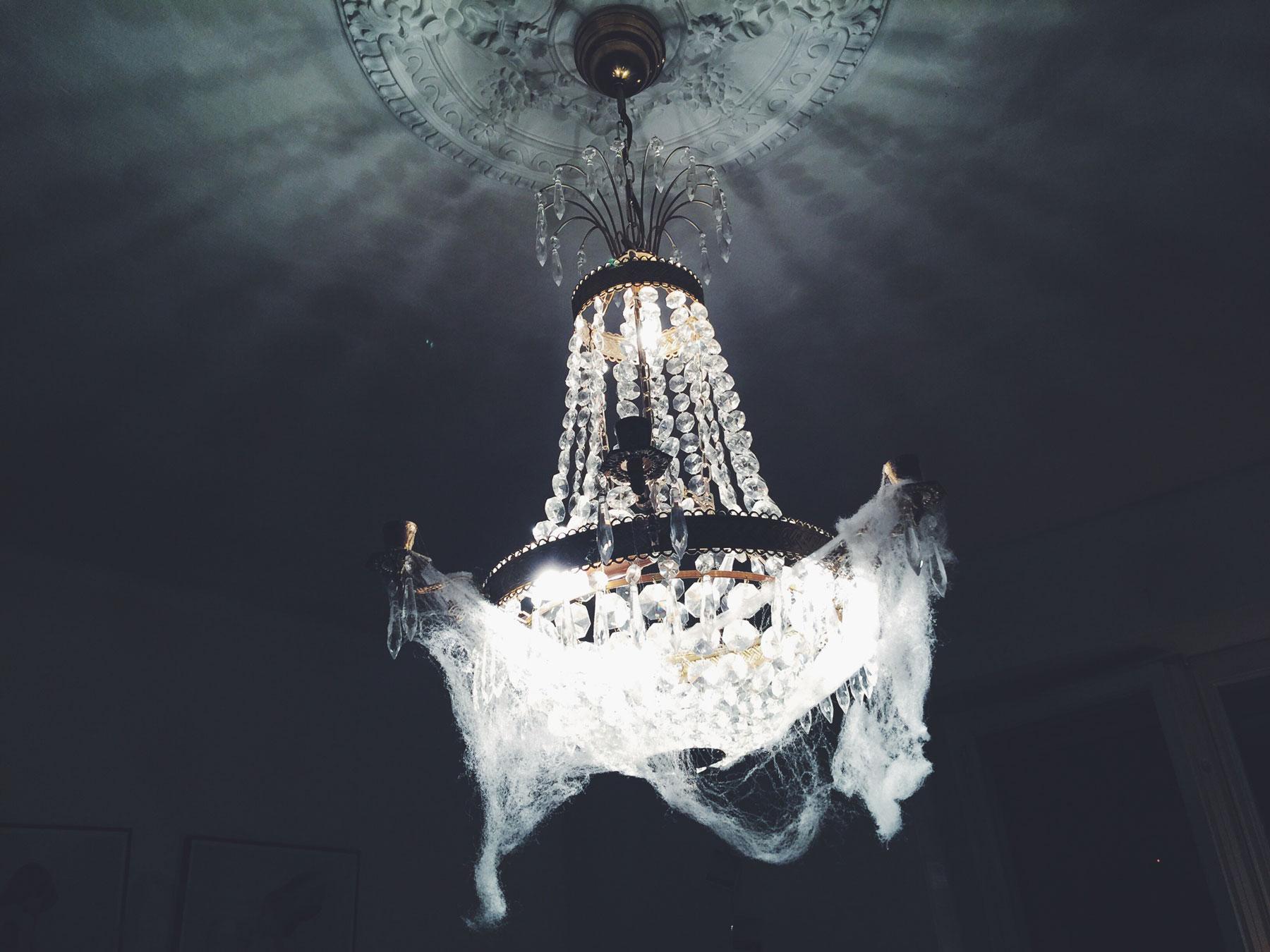 halloween-chandelier
